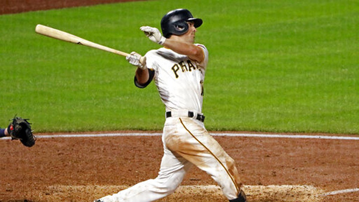 Frazier hits go-ahead homer in 8th, Pirates edge Brewers 8-6
