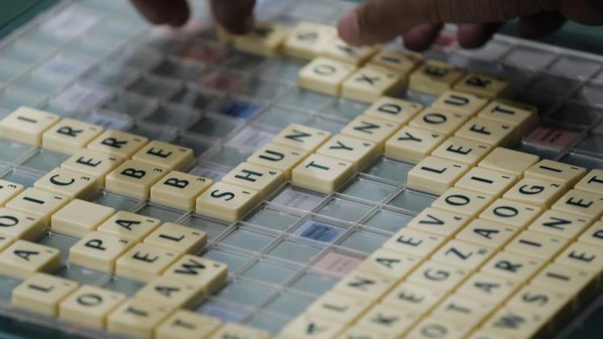 After 300 games, two Words With Friends players meet in person; he's 22, she's 81
