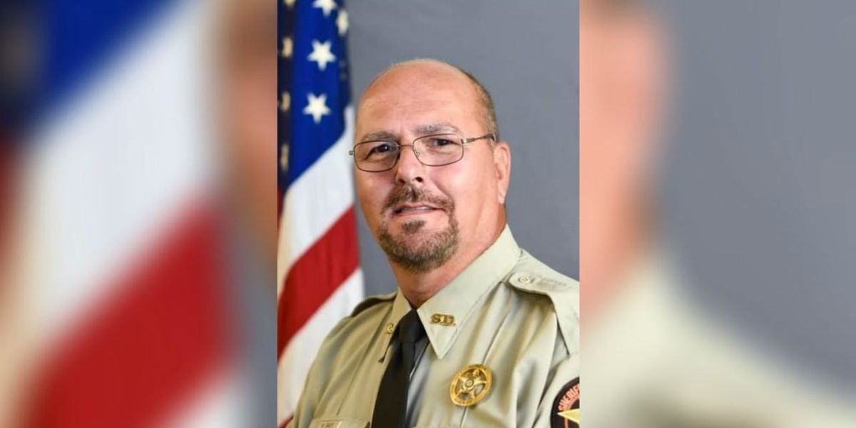 Sheriff's deputy learns he has 3 months to live right after wife's cancer goes into remission