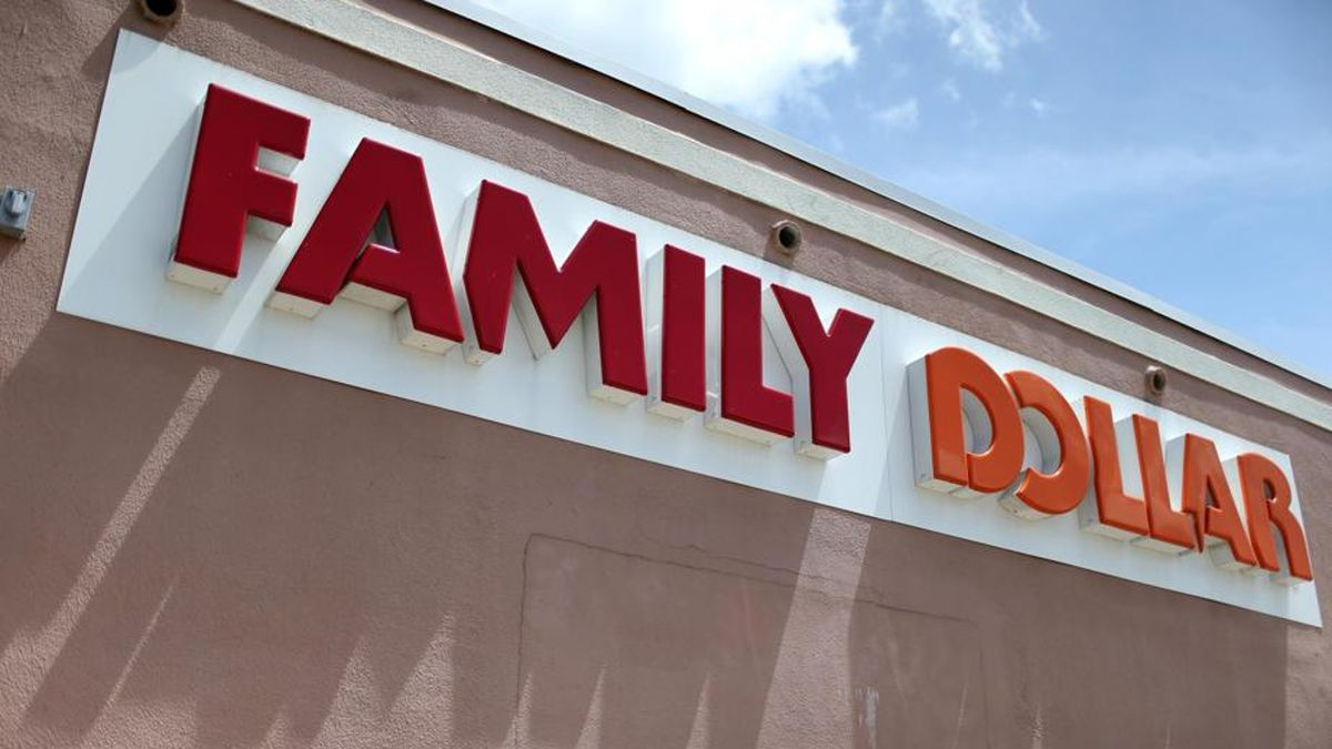 Police: Thief with knife stole gum, but no cash at Family Dollar store in North Carolina