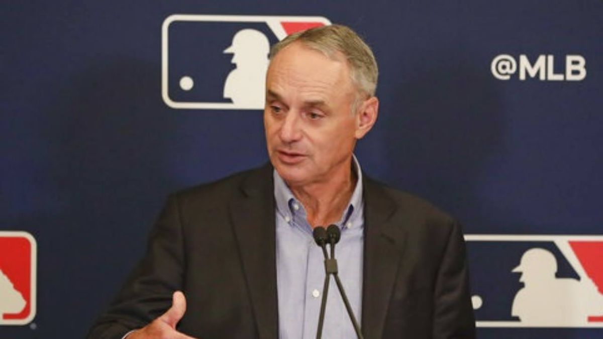 Rob Manfred on MLB shutdown talk: 'We are playing'