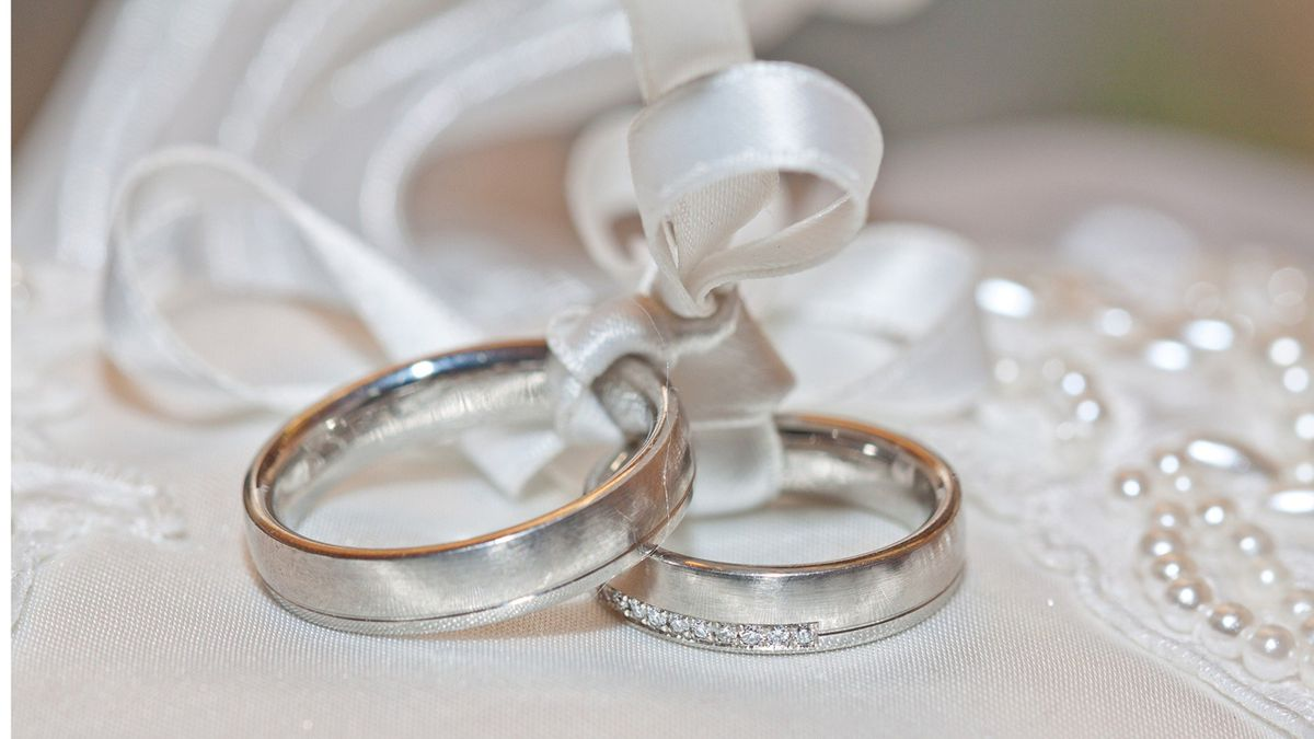 Coronavirus: Mississippi couple gets creative, ties the knot despite COVID-19 restrictions