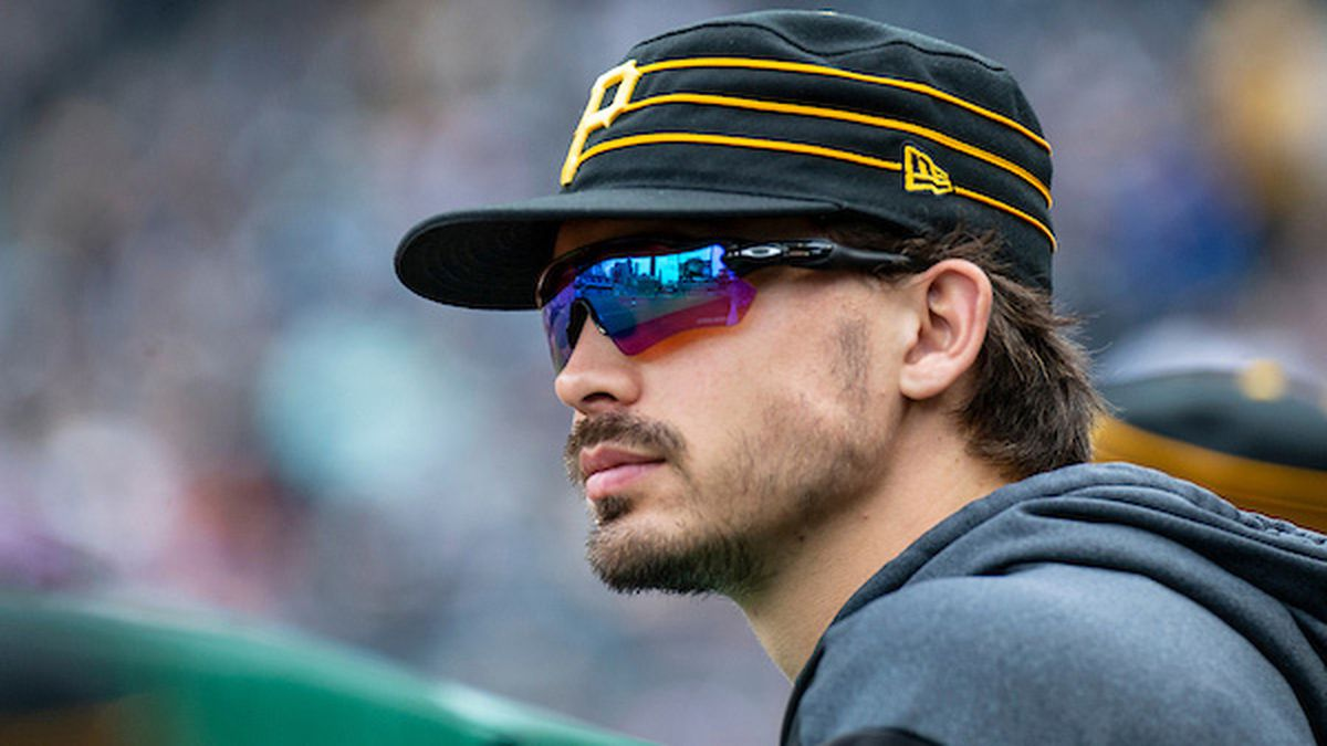 New father Bryan Reynolds homers as Pirates top Cubs 6-2