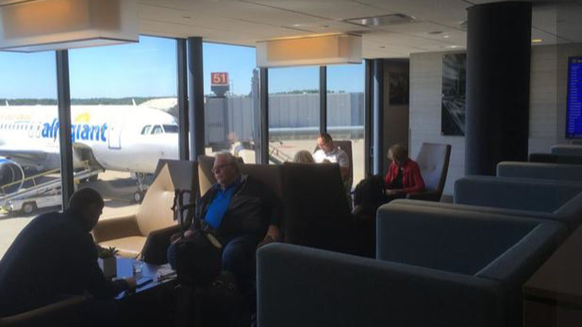 An expanded Club at Pittsburgh International Airport