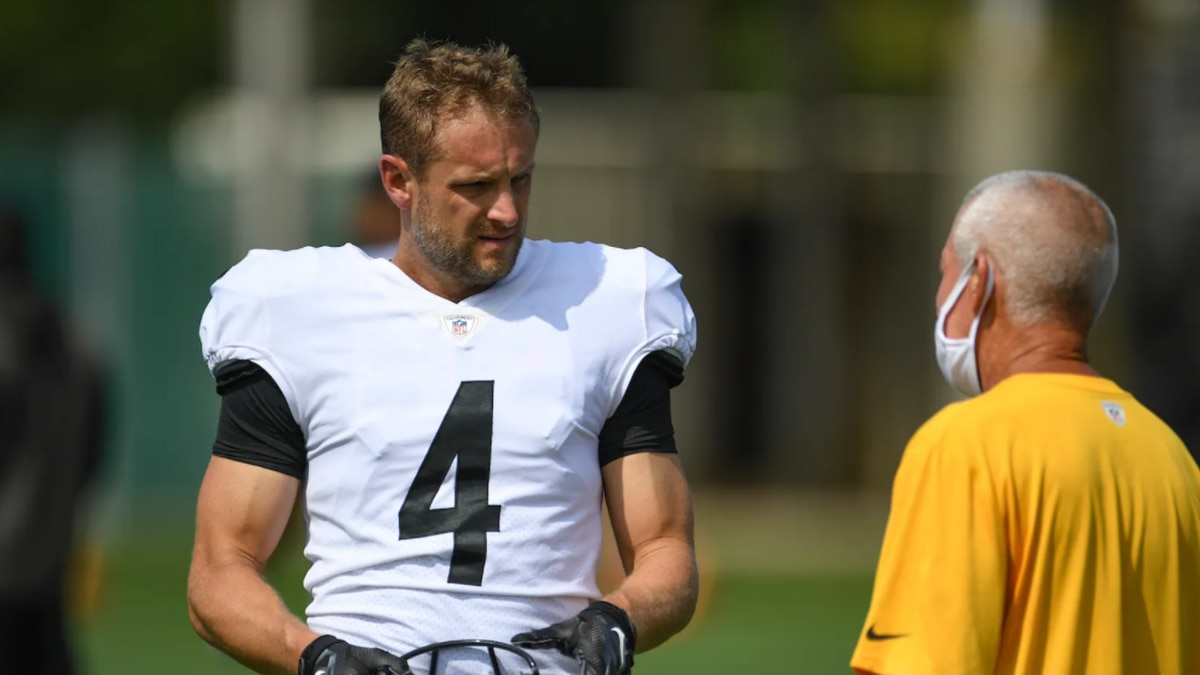 Steelers release punter Dustin Colquitt, place Devin Bush on injured reserve