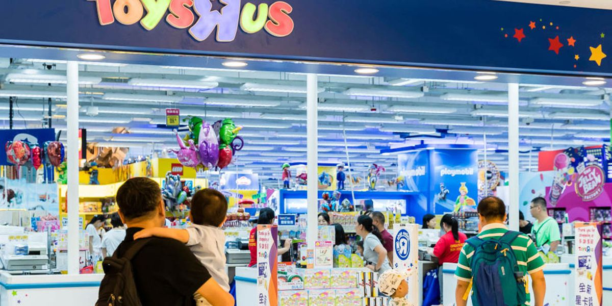 Toys R Us making comeback in time for the holidays