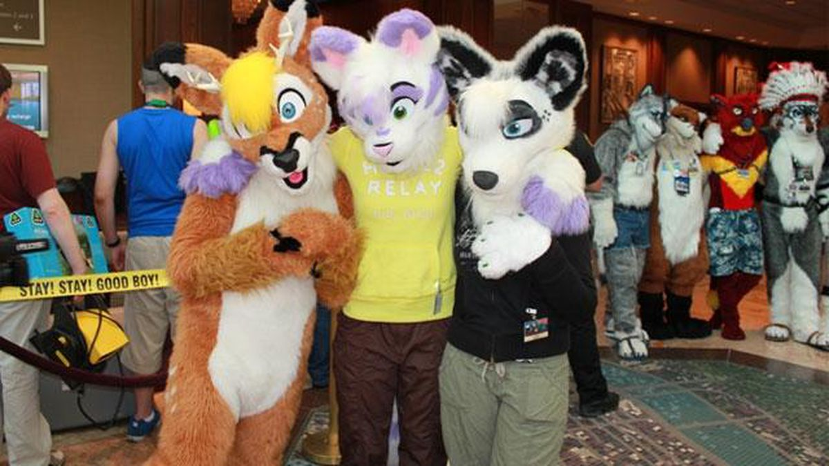 Thousands of 'furries' return to Pittsburgh for annual Anthrocon convention
