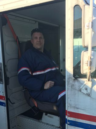 Postal worker uses military training to rescue girl