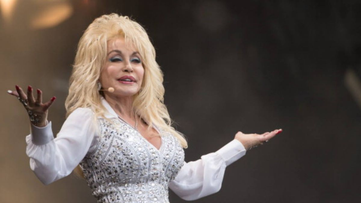Coronavirus: Dolly Parton donates $1M to Vanderbilt Medical Center for research