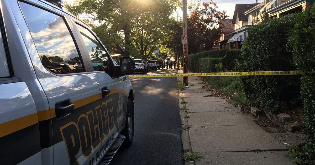 Man in critical condition after shooting in Pittsburgh neighborhood