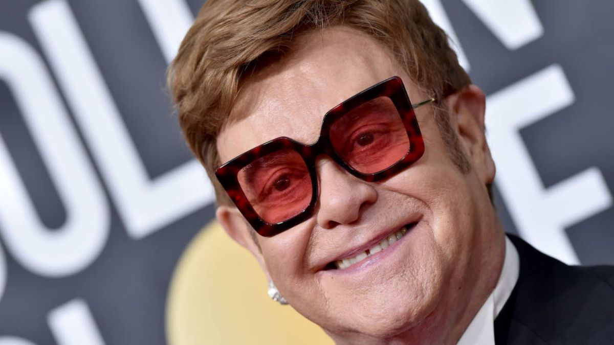 Downpour In Australia Forces Elton John Off Stage In Australia