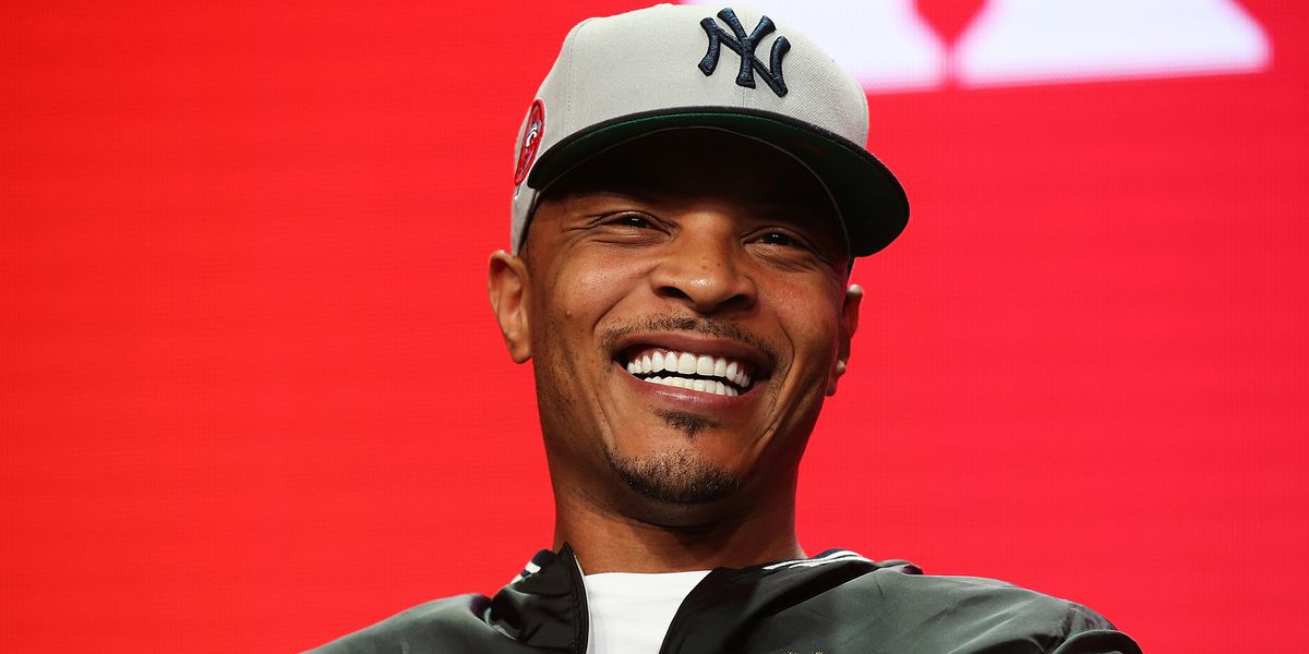Rapper T.I. buys teen's school lunch for the year