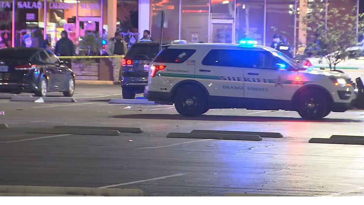 New Year's party at Orlando strip mall turns deadly: 2 fatally shot, deputies say