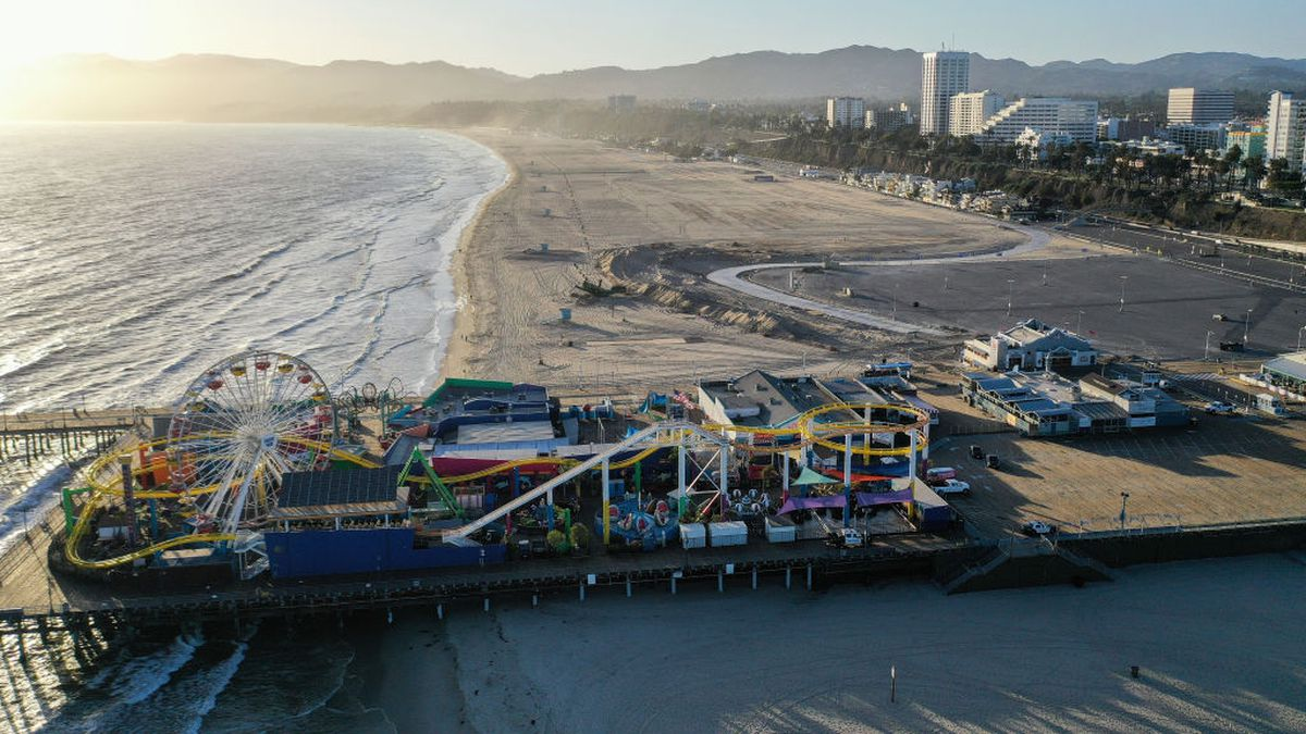 Coronavirus: LA County closes beaches for Fourth of July weekend
