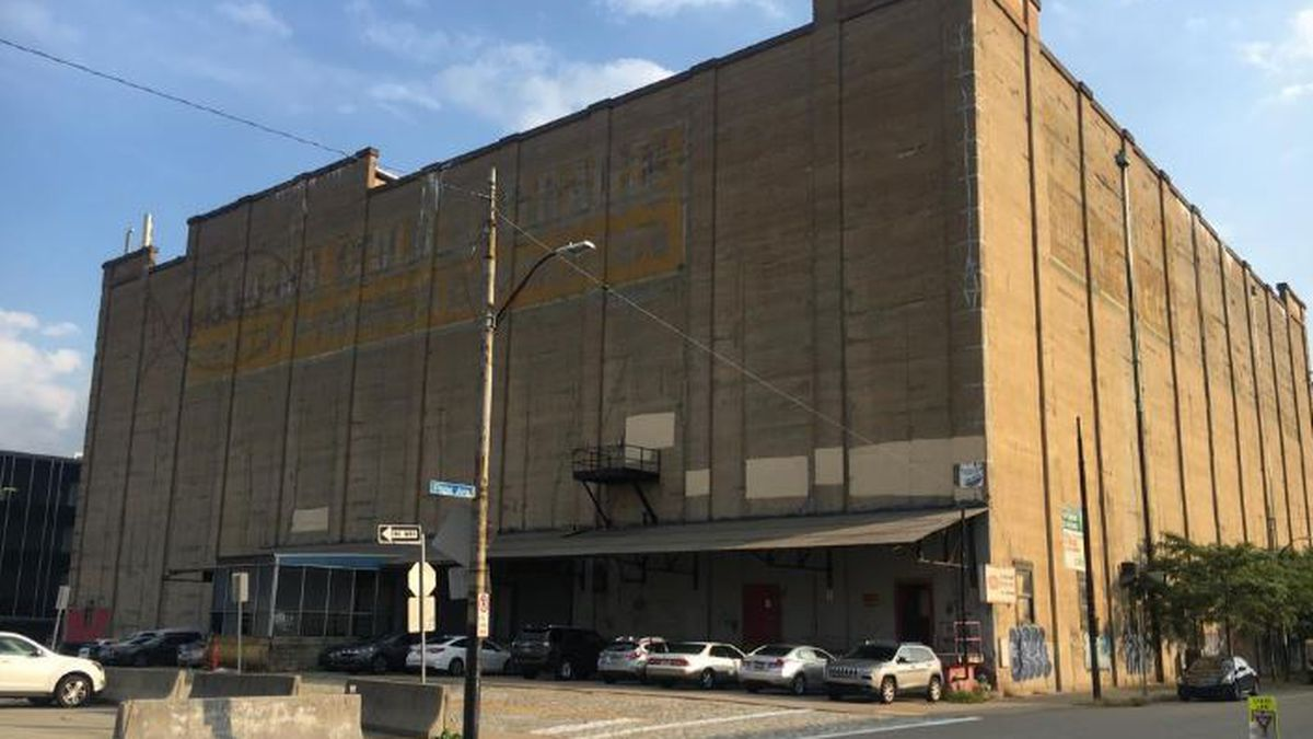 Developers taking another shot at redeveloping Wholey's building in Strip District