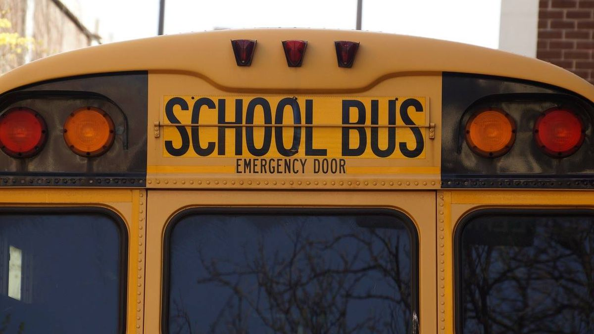 Wisconsin bus driver gives comfort to young boy on first day of school
