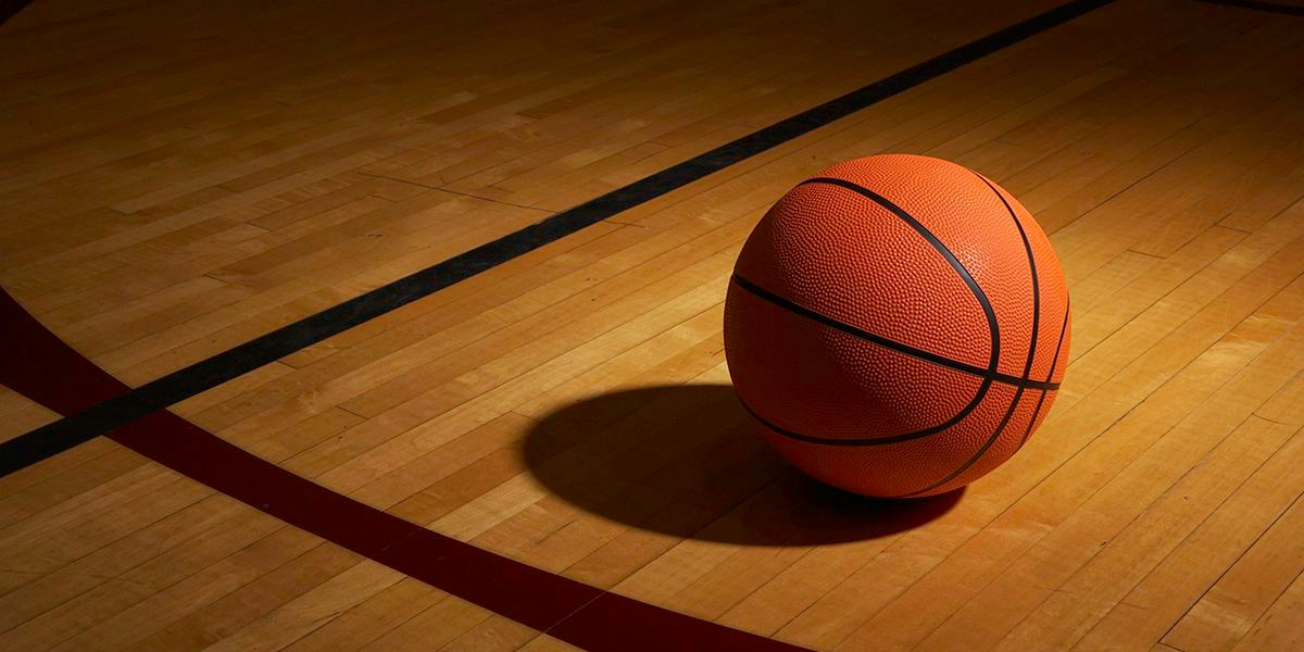 Ohio dad headbutts basketball referee during game involving 5th-grade girls, police say